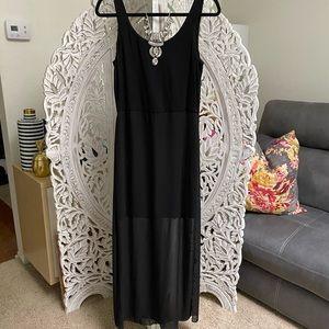 Vince Camuto Long sheer dress